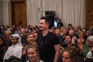 "Bergfilmfestival Tegernsee 2017 Siegerehrung Barocksaal; Regisseur Arturo Casares - Film ""Too High to Fall"" (Foto: Thomas Plettenberg)"
