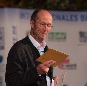 Bergfilmfestival Tegernsee 2017 Siegerehrung Barocksaal; Festival-Direktor und Moderator des Abends Michael Pause (Foto: Thomas Plettenberg)