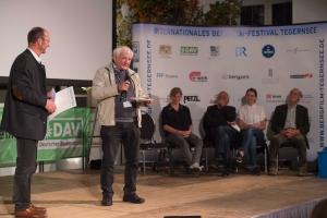 Bergfilmfestival Tegernsee 2017 Siegerehrung Barocksaal; Festival-Direktor Michael Pause, Jurymitglied Martin Kaufmann (Italien) (Foto: Thomas Plettenberg)