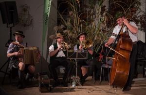 Die Tegernseer Tanzlmusi sorgte für die musikalische Unterhaltung bei der Preisverleihung/Schlussfeier (Foto: Thomas Plettenberg)