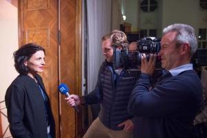 Ein Aufnahmeteam des BR beim Festival, im Interview mit Lisa Röösli (Jurymitglied) für einen Bericht in der Bergauf-Bergab-Sendung. (Foto: Thomas Plettenberg)