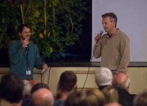 """Interview des Moderators Simon Pause mit Jürgen Eichinger, Regisseur von """"Die Zugspitze - Eine Reise auf den höchsten Berg Deutschlands"""" (Foto: Thomas Plettenberg)"""