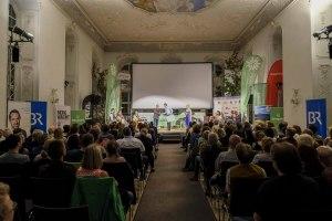 Ein Blick in den Barocksaal am Abschlussabend des Bergfilm Festivals