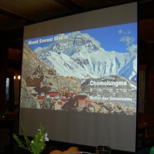 Projektion zum Vortrag von Luis Stitzinger