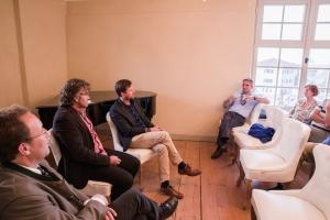 """Josef Bierschneider (Bürgermeister von Kreuth), Dr. Georg Bayerle (Moderator), Christof Schett (Villgratental), Johannes Hagn (Bürgermeister von Tegernsee) im Gespräch zu """"Massentourismus oder Bergsteigerdorf - Wem gehört die Zukunft?"""""""
