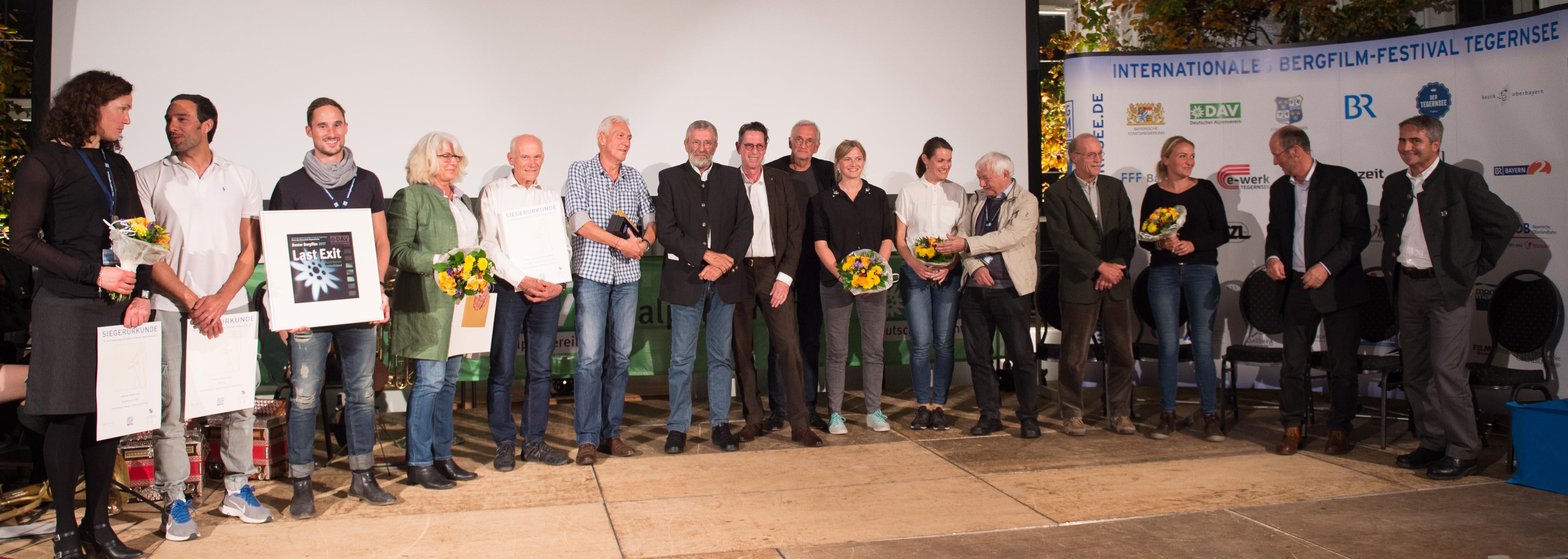 Bergfilmfestival Tegernsee 2017 Siegerehrung Barocksaal; Gewinner und Jurymitglieder (Foto: Thomas Plettenberg)